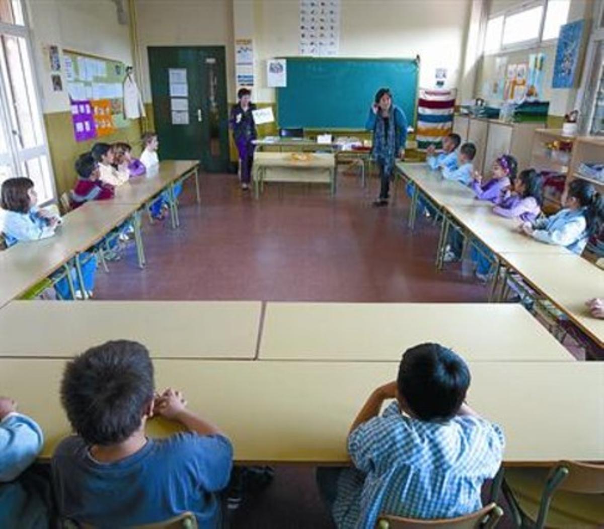 Alumnos en una clase del CEIP Poblenou, de Barcelona.
