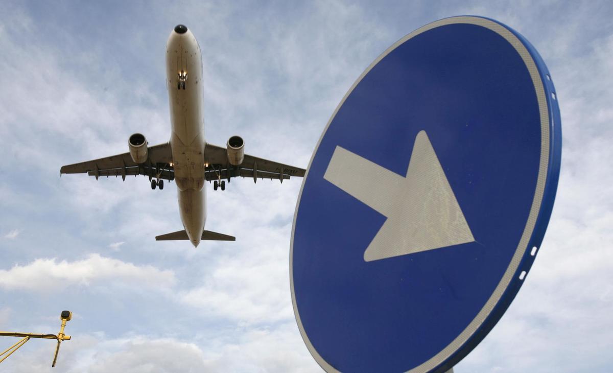 Un avión despegando del Aeropuerto del Prat