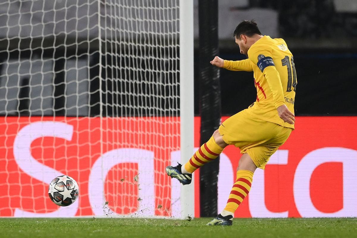 Messi en el lanzamiento del penalti fallado.