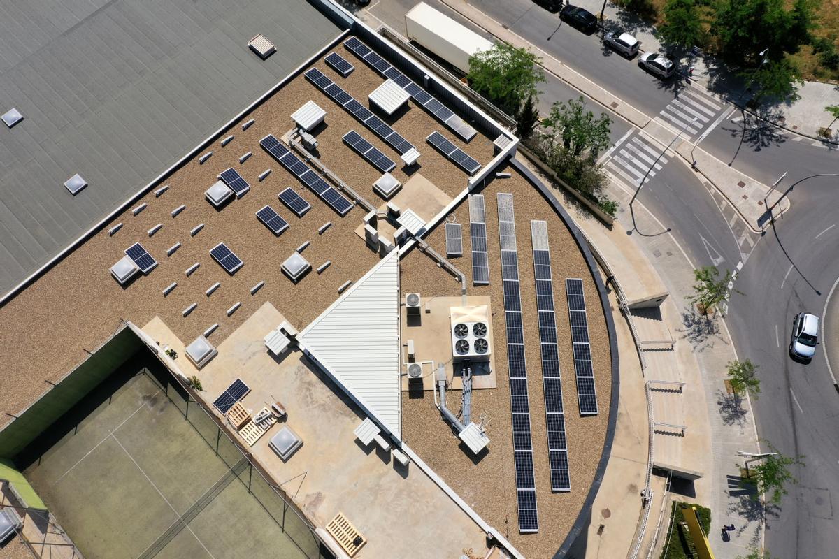Galerías del Tresillo té l'objectiu d'implantar plaques solars en tots els seus locals