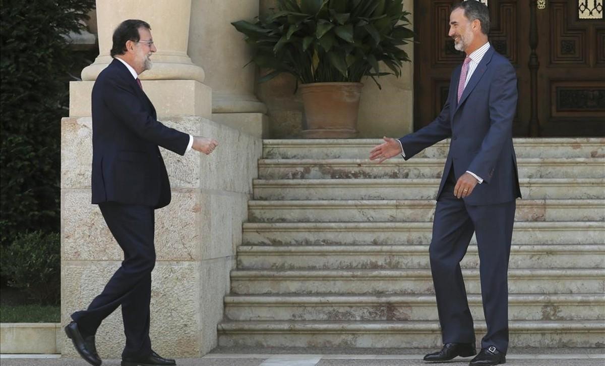 Rajoy i Felip VI celebren la tradicional reunió de Marivent amb el referèndum de l'1-O sobre la taula