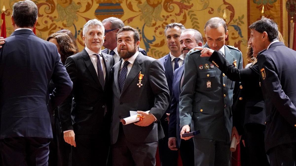 El ministro del Interior en funcionesFernando Grande-Marlaskaasiste al acto institucionalpor un final del terrorismo.