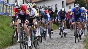 Asgreen es posa flamenc davant Van der Poel i s'emporta el Tour de Flandes
