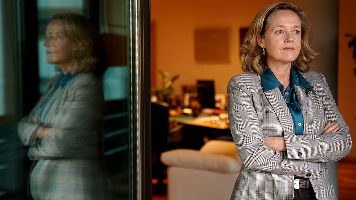 Nadia Calviño,vicepresidenta tercera del Gobierno y ministra de Asuntos Económicos y Transformación Digital, en su despacho.