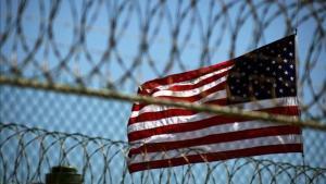Fotografía de archivo de perímetro de seguridad en Campo Delta 5, en una estación naval de EEUU en Guantánamo, Cuba.