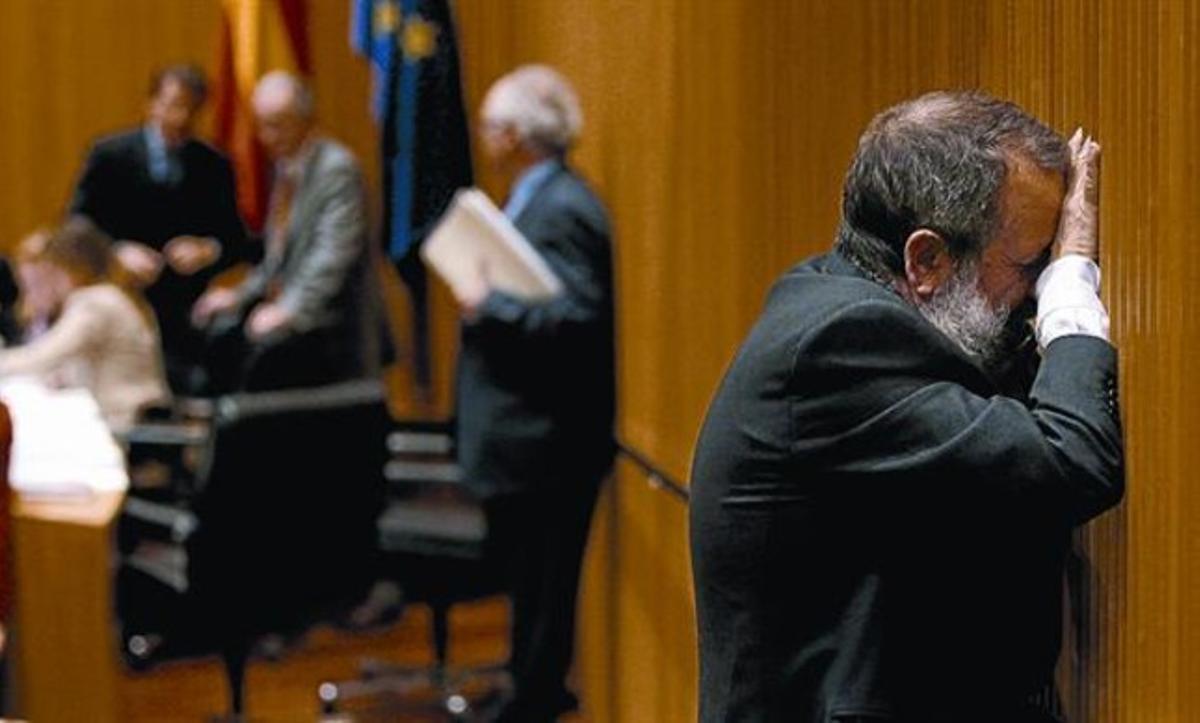 El diputado del PSOE Francisco Fernández Marugán, en la Comisión de Economía y Hacienda, ayer.