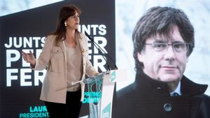 La candidata a la presidencia de la Generalitat, Laura Borras durante su intervencion en el acto de inicio de campana de JxCat en Barcelona
