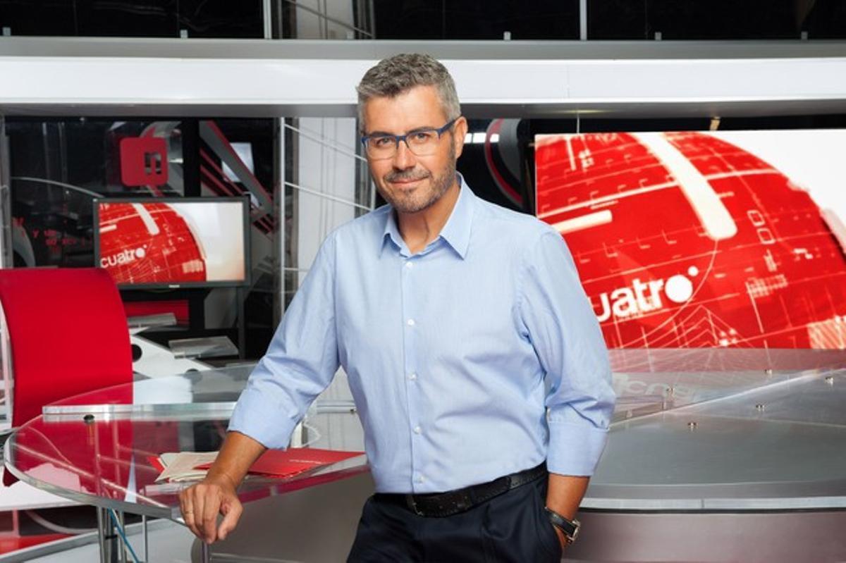 Miguel Ángel Oliver presenta el programa de Cuatro 'Toma partido'.