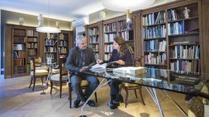 Saló, biblioteca i cadires fernandines