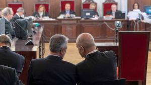El judici contra 22 ex alts càrrecs de la Junta d'Andalusia, acusats de prevaricació, malversació i associació il·lícita en la peça política del 'cas ERO', ha començat avui a les 10.50 hores.