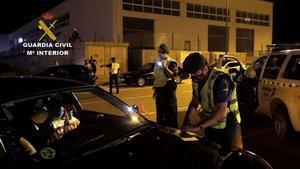Concentració il·legal de més de 150 vehicles en un polígon industrial de Saragossa