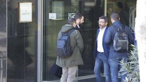 Operación de la Guardia Civil por desvío de subvenciones a fundaciones de CDC. En la foto,Gerard Figueras llega a la sede de la Secretaria General de l'Esport.