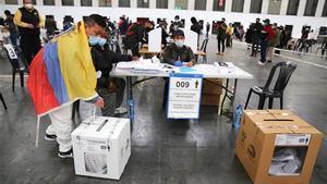 Votación para las elecciones de Ecuador Pabellón textil de la Fira de Barcelona