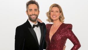 Roberto Leal y Anne Igartiburu, presentadores de las Campanadas de RTVE.
