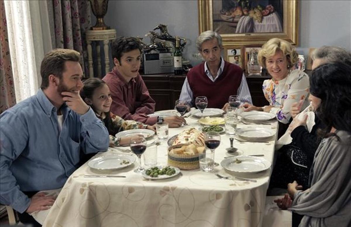 La familia Alcántara en una escena de la serie.