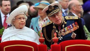 Isabel II y Felipe de Edimburgo en una celebración en junio del 2012.