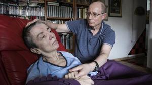 Ángel Hernández fue detenido por ayudar a morir a su mujer, María José Carrasco, enferma terminal.