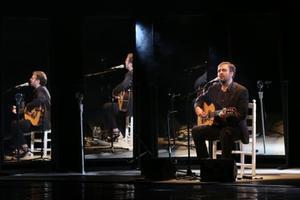 Roger Mas, la noche del viernes, en el teatro Kursaal de Manresa.