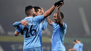 Golejada i liderat per al Manchester City