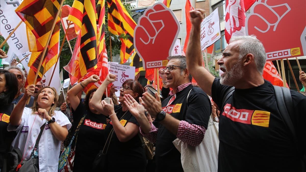 Los funcionarios han expresado sus quejas durante la reunión mantenida entre la Generalitat y los sindicatos.