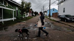 El huracán Ida se frena y aumenta su peligrosidad en su avance por Luisiana
