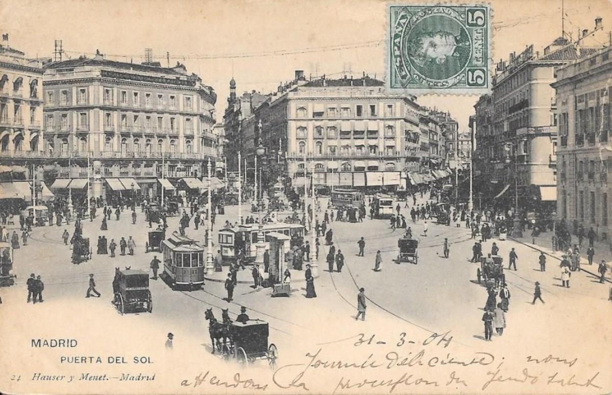 Postal antigua de la Puerta del Sol de Madrid.
