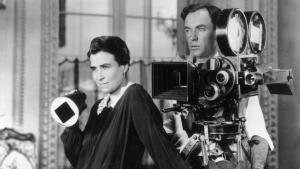 Dorothy Arzner dirigiendo una de sus películas junto al operador.