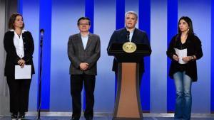 Iván Duque, presidente de Colombia, junto a autorides de su gobierno.