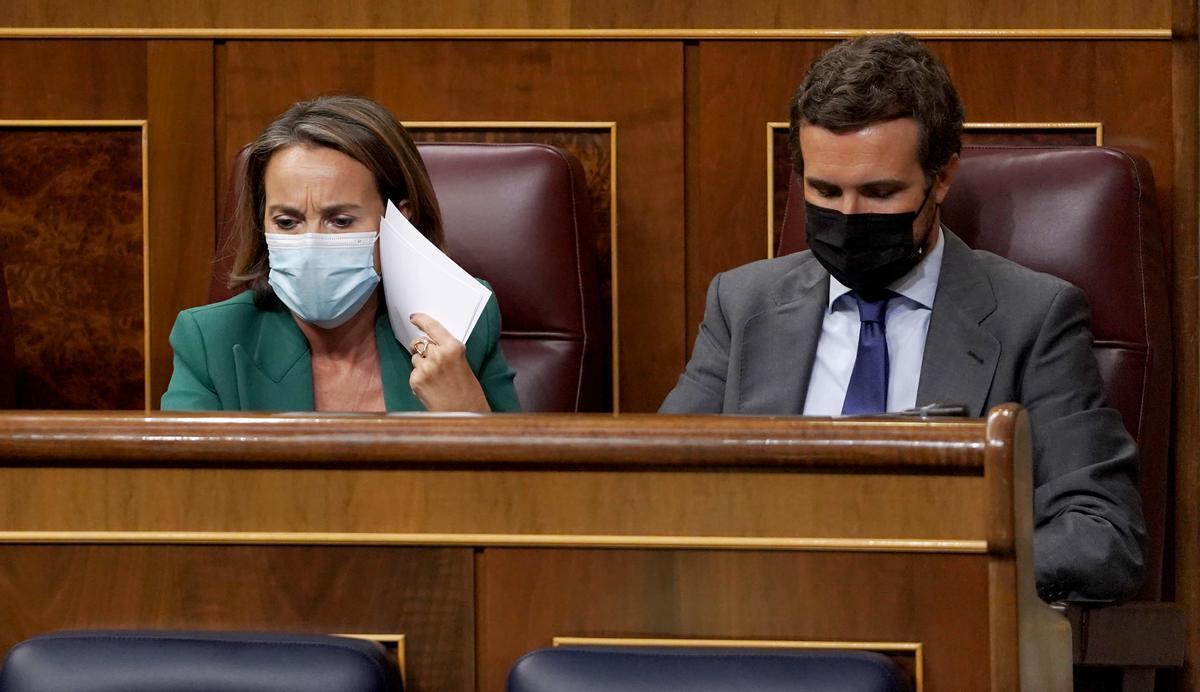 Casado acusa Sánchez d'anar a una taula de diàleg amb dirigents que aclamen «terroristes»