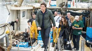 Javier Bardem ha pasado este mayo por Catalunya para subirse por unas horas a un barco que atraca en el puerto de Blanes y recuperar plástico del mar.