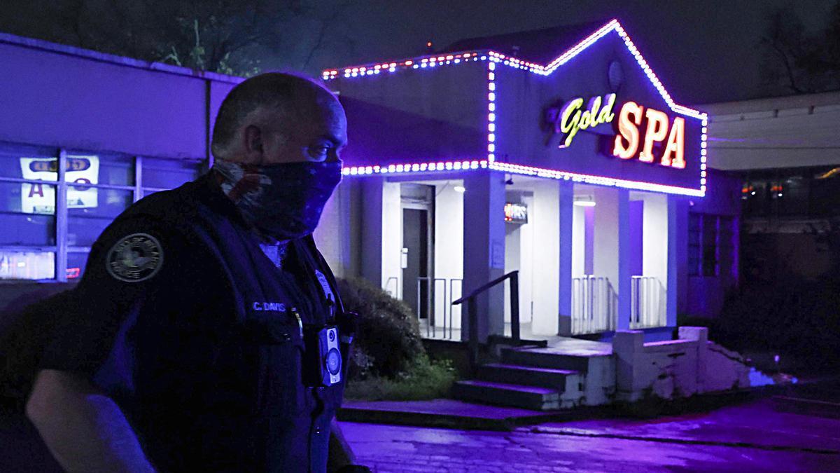 Ocho muertos en ataques a tiros en 3 salones de masajes asiáticos en Atlanta
