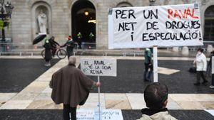 Manifestación contra la narcoespeculación en el Raval.