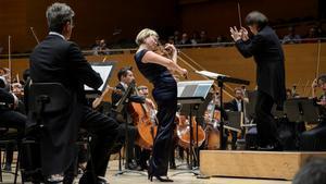 Alina Ibragimova triomfa amb l'OBC