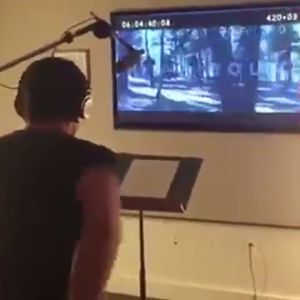 Vídeo de Hugh Jackman doblant-se en el seu paper de James Logan en una escena de l'última pel·lícula de la saga 'X-Men'.