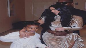 Kim Kardashian, Kanye West y su hija North West.