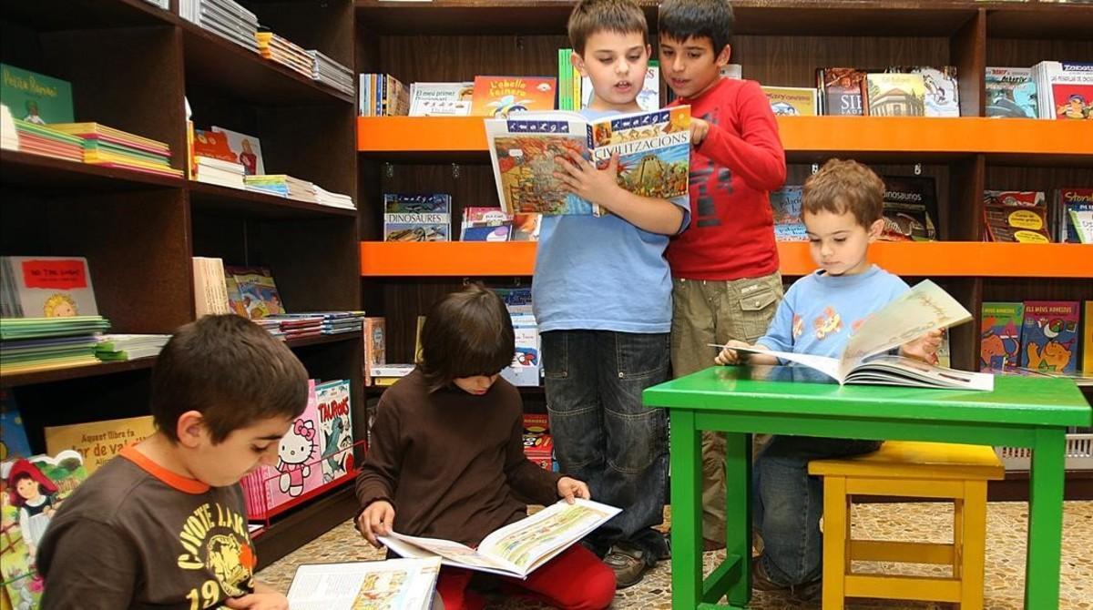 Cultura dobla les compres de llibres per a biblioteques