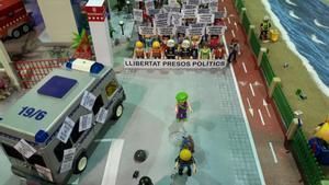 La maqueta que representaba, en Expoclick Amposta, la manifestación por la libertad de los presos.