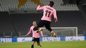 Dembélé celebra el primer gol del Barça a la Juventus en Turín.