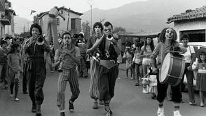 La Fura dels Baus en uno de sus primeros espectáculos de calle.