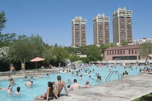 Les piscines del parc dels Torrents d'Esplugues inauguren la temporada de bany
