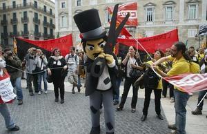 Concentracion de funcionarios delante de la Generalitat