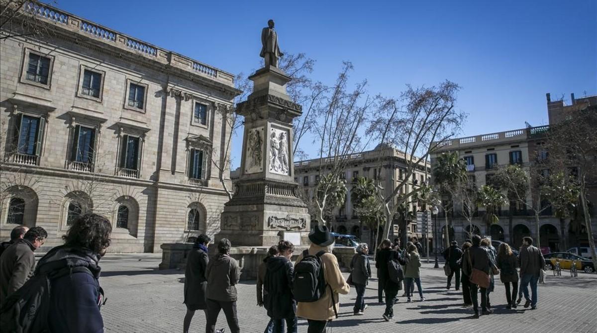 Plaza de Antonio López, en Barcelona.