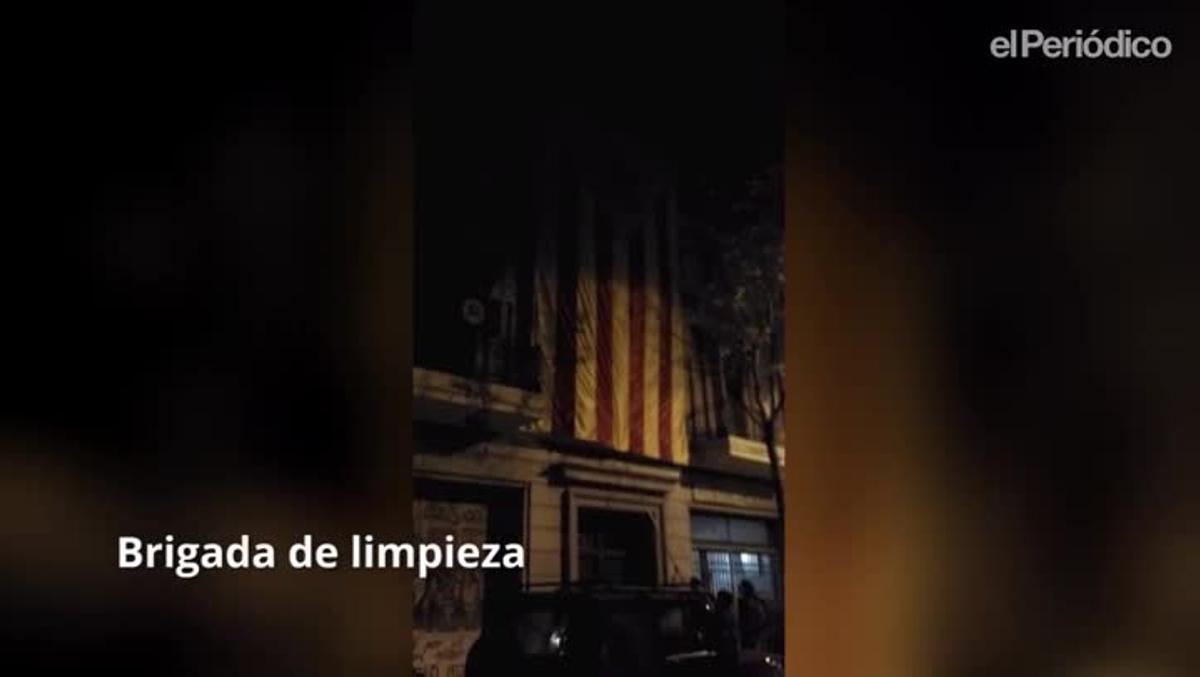 Diversas salidas de las autodenominadas 'Brigadas de Limpieza', que arrancan lazos amarillos, esteladas y propaganda independentista de los espacios públicos.