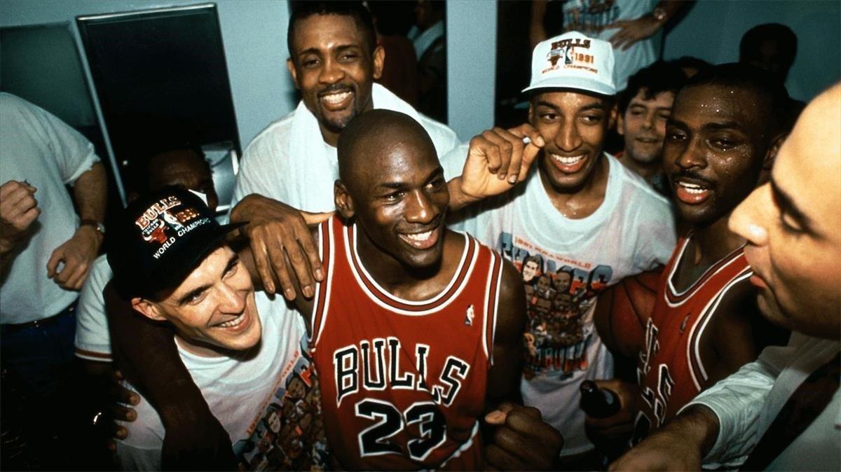 Imagen del documental 'El último baile' de unos Bulls triunfadores.