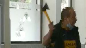 Un mosso lliure de servei desarma i deté un atracador a Sant Martí