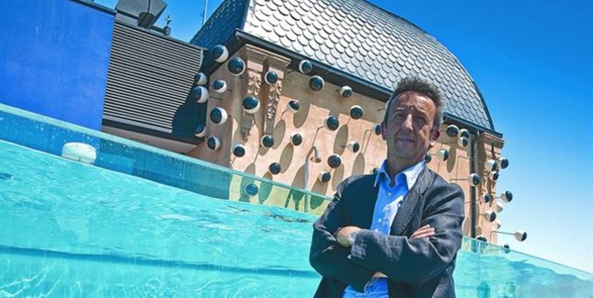 El arquitecto Luis Alonso, en una imagen de archivo en la terraza del Hotel Ohla de la Via Laietana, en Barcelona.