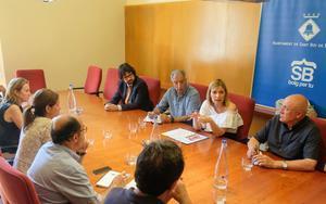 La reunión de alcaldesas y alcalde de los consistorios firmantes.