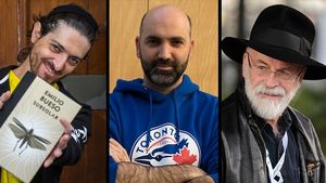 Emilio Bueso, Marc Pastor y Terry Pratchett.