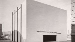 Barcelona   Mies van der Rohe, Ludwig (1886-1969): Pabellon del suministro de electricidad en Alemania. Barcelona exhibition 1929. German Section. Gelatin silver print, 6 1\8 x 7 7\8' (15.6 x 20 cm). Anonymous gift. Object number: AD1072 New York Museum of Modern Art (MoMA) *** Permission for usage must be provided in writing from Scala.