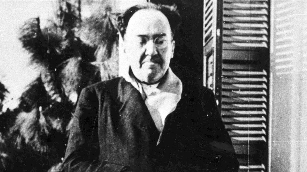 Antonio Machado, en Villa Amparo en la localidad valenciana de Rocafort, poco antes de trasladarse a Barcelona en abril de 1938.
